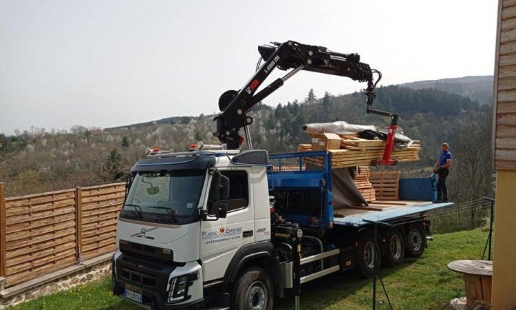 Livraison de bois à Roanne