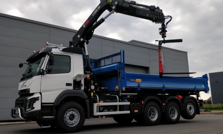 Camion 8x4 Grue